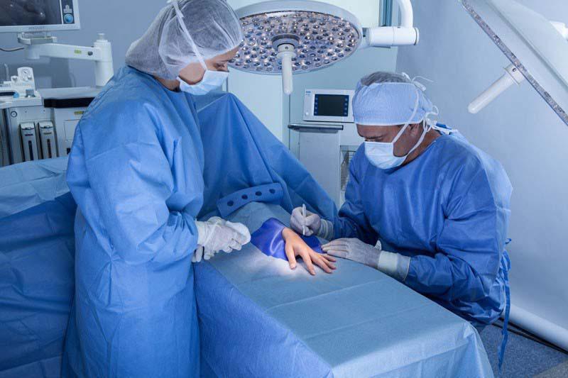Kit cirúrgico estéril descartável